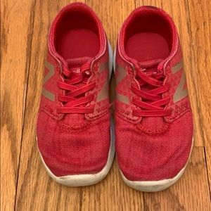Toddler girl 7 New-balance sneakers